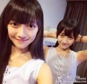 近日,中山大学双生校花中的LY_DIANE在微博上传一组甜蜜写真,笑容可人少女感十足,校友都称关注是...