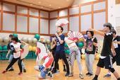 搜狐娱乐讯 继2016《钟汉良乐作人生Sing For Life》巡回演唱会连开四场,今年首站将在8...