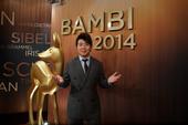 """德国一年一度的媒体和电视大奖""""斑比奖""""(Bambi)颁奖典礼于11月13日柏林的波茨坦广场舞台剧院举..."""