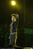 2012年9月3日讯,北京,2日晚,汪峰演唱会在北京工人体育场举行。2012汪峰《存在》北京演唱会将...