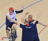 北京时间2012年8月3日,2012年伦敦奥运会男子自行车团体竞速赛决赛,英国队夺冠。更多奥运视频>...
