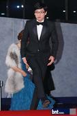 搜狐韩娱讯 12月22日晚,在韩国首尔汝矣岛KBS新馆举办了2012年KBS演艺大奖颁奖典礼,刘在石...