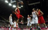北京时间8月6日23时45分,2012年伦敦奥运会继续第10日角逐。在奥林匹克篮球馆进行的B组末轮争...