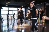 """李宇春""""WhyMe""""十年演唱会即将于本周六(9月26日)在成都体育中心拉开帷幕。演唱会进入最后倒计时..."""