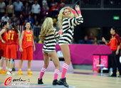 2012年8月8日,2012年伦敦奥运会女篮1/4决赛,中国vs澳大利亚的比赛中,篮球宝贝性感热舞。...