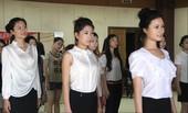 6月15日,2012天津季达沃斯论坛志愿者培训工作在天津外国语大学举行,针对100名礼仪志愿者,共青...