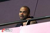 2012年8月4日,2012年伦敦奥运会男子手球小组赛,冰岛30:29胜法国,托尼·帕克看台观战。...