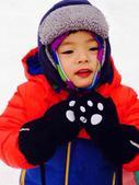"""搜狐娱乐讯  日前,影视演员杨童舒在微博上晒出一组与儿子滑雪的照片,欲深度挖掘儿子""""葫芦娃""""..."""