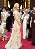 北京时间3月3日上午(美国时间3月2日晚),第86届美国奥斯卡金像奖颁奖礼在洛杉矶盛大举行。红毯部分...