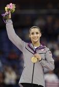 北京时间8月8日,2012伦敦奥运会女子自由操决赛,美国选手亚历山大-莱斯曼获得冠军,罗马尼亚选手卡...
