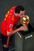 搜狐体育专访西班牙球星哈维。