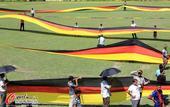 2014年7月13日,2014年巴西世界杯,3.5公里长德国国旗亮相孟加拉,当地人民力挺德国队勇夺大...