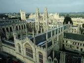 近日《泰晤士高等教育》评出全球十大顶尖医学类高校中,英美高校并驾齐驱,各有5所院校跻身排行榜前10名...