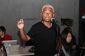 """搜狐娱乐讯(肖旋/文)本周六晚,巫启贤将在北京工体馆举办名为""""那些年,我们一起唱情歌""""的演唱会。6月..."""