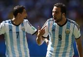 北京时间7月6日0:00,巴西世界杯四分之一决赛第三场在巴西利亚国家体育场进行,对阵双方是潘帕斯雄鹰...