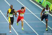 2016年里约奥运会,中国田径队员苏炳添参加了男子100米以及男子4x100米接力的比赛。男子百米他...