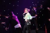 搜狐娱乐讯 3月22日晚7点30分,由央视音乐频道联合光线传媒倾力打造的全球中文音乐榜上榜开播盛典盛...