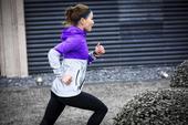 蔡超是个平凡的北京女孩,但她凭借开朗热情的型格以及女生中比较出色的成绩,在京城跑圈中小有名气。