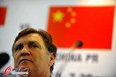 2011年11月14日,2014年巴西世界杯预选赛新加坡VS中国的新闻发布会在吉隆坡召开,卡马乔...