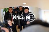 搜狐娱乐讯(洪水/图文)1月28日上午,演员秦海璐剖腹产生下一子,重9斤。老公王新军表示过段时...