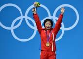 北京时间8月2日凌晨,2012年伦敦奥运会继续第5日角逐。在ExCeL展览中心进行的举重女子69公斤...