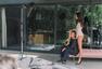 高清图:长腿美女骑跨C罗 总裁手抚美腿显得意