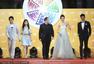 北京电影节开幕式红毯 刘亦菲红毯秀香肩