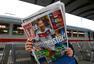 高清图:德国各地激情庆夺冠 格策登上报纸头版