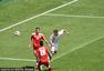 进球回放:波兰边锋单刀破门 激情怒吼狮王再现