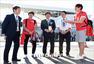 高清图:韩国美女主播明星出动 男球迷争相合影