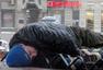 俄经济危机致流浪汉人数激增 露宿街头