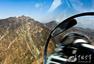 空军航空兵新员首次进行山谷飞行训练