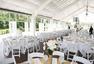 准新娘取消婚礼后邀请流浪者享用宴席