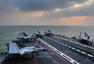 辽宁舰出海训练甲板停满歼15战机