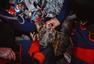 哥伦比亚跳伞犬从4300米高空飞降而下