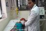 印度一家医院供氧中断 致63名儿童死亡