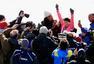 高清:沃兹尼亚奇跑完纽约马拉松 3小时26分完赛