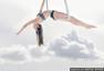 港姐林芷嘉做空中瑜伽