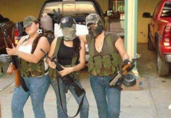 墨西哥毒贩facebook炫富募新人