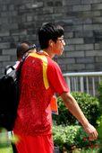 8月18日,刘翔在奥运会男子110米栏第一轮比赛中,因伤退出比赛。