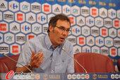 2010年7月6日,法国足协召开新闻发布会,新帅布兰科首次面对媒体。据了解,布兰科与法...