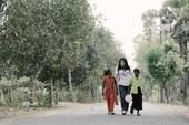 从《传闻中的七公主》走出来的美七崔贞媛化身为慈善天使,于上个月二十七号前往孟加拉国访问,为孟加拉国带...