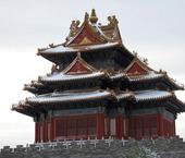 京城又遇大雪,登景山看紫禁城,独欣赏故宫的四座角楼,角楼立于故宫城墙四角,造型独特,轮廓清雅,是古建...