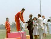 1984年7月29日23届奥运会开赛第一天,中国射击选手许海峰夺得第一块金牌,结束了中国人在奥运会上从未得金牌的历史。
