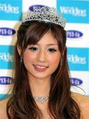 现年25岁的清纯女星小仓优子,7月25日出现在东京某婚纱秀现场。小仓优子当天全身佩戴造价约2亿500...