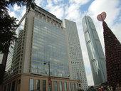 香港文华东方酒店位于香港中环干诺道中5号,可眺望维多利亚港景色,不少名人政要曾在此居住,包括已故戴安...