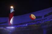 """8月24日晚,第29届夏季奥林匹克运动会闭幕式在北京国家体育场――""""鸟巢""""举行。新华社/摄"""