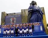 2010年5月22日,东京,日本国家队为2010南非世界杯举行了出征仪式,国家队主教练冈田武史携全体...