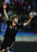 北京时间7月11日凌晨,南非世界杯争夺季军的比赛开战,最终德国队凭借穆勒、扬森以及赫迪拉的进球3-2...