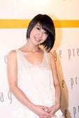[2009年08月18日北京讯]今日,台湾女歌手许茹芸现身北京,为代言美容品站台。一袭纯美装扮亮相,...